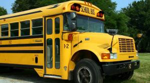 Transportul școlar