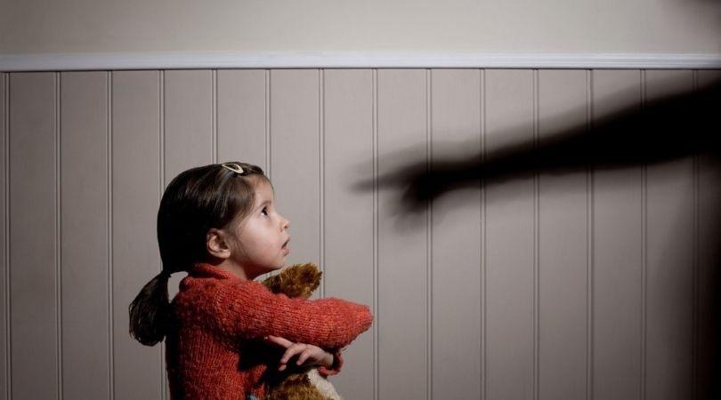 Protecţia copilului împotriva abuzului sau neglijenţei