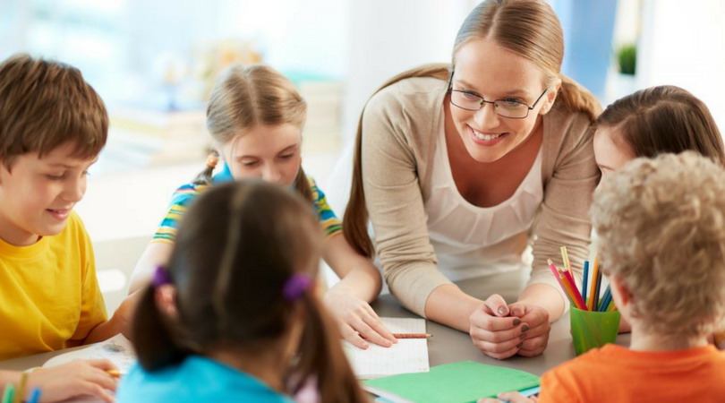 Un adevărat pedagog trebuie să emane calităţile pe care vrea să le insufle, trebuie să facă în aşa fel încât să fie contagios, stimulant, irezistibil!