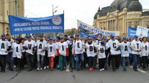 FSLI anunță proteste legate de majorarea salariilor din învățământ. Penibil.